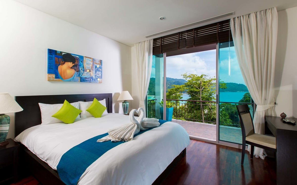 Kata Gardens Penthouse seaview with rooftop pool (8C)