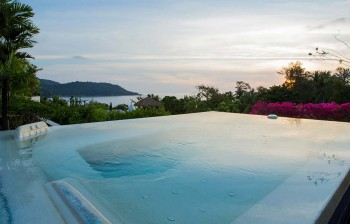 Luxury Holiday rentals in Kata with Jacuzzi