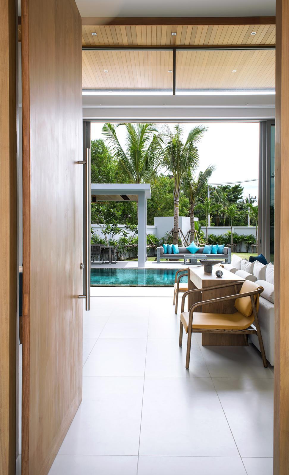 Botanica villas for sale in Layan