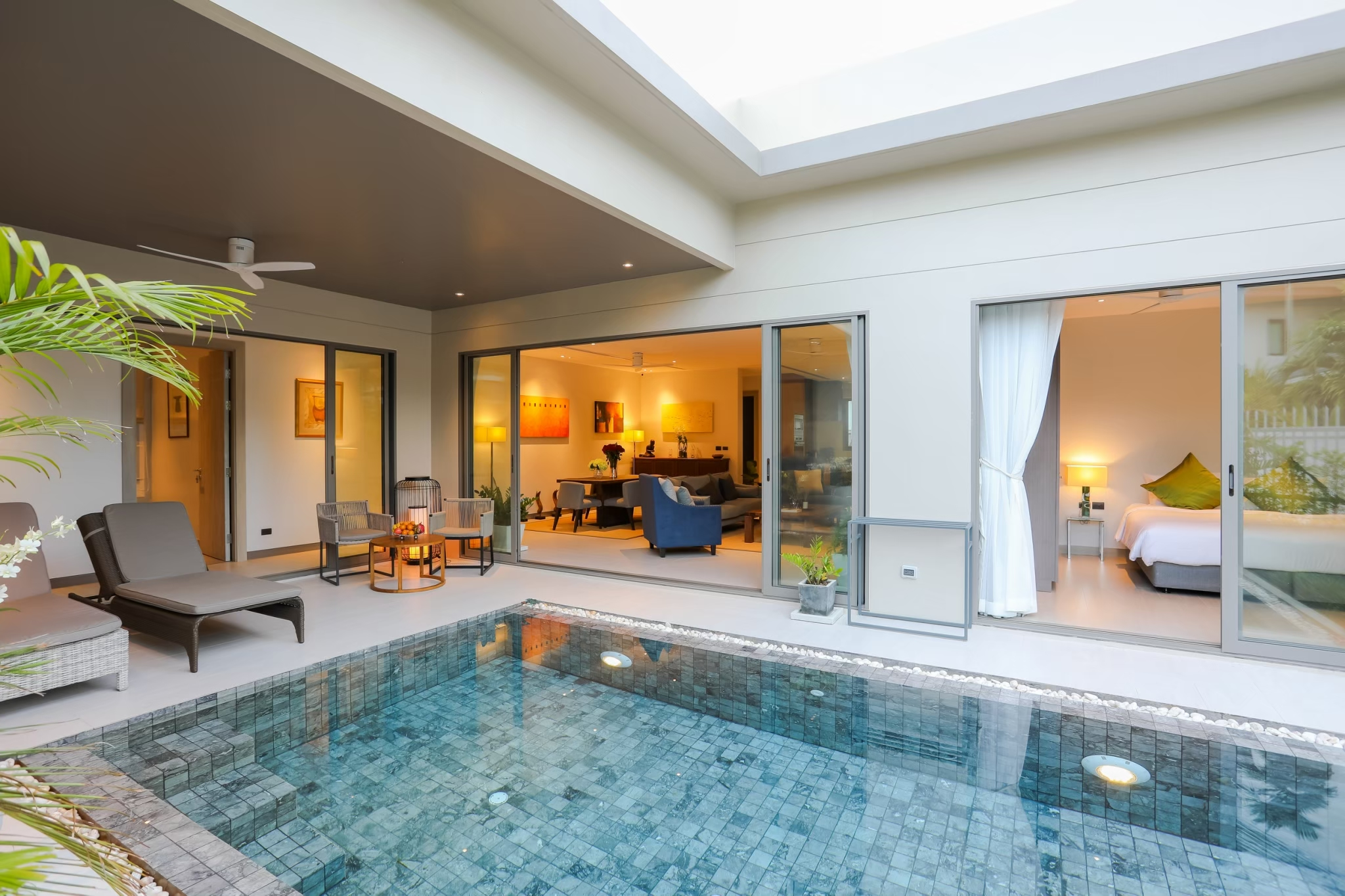 Modern style pool villa for hot sale