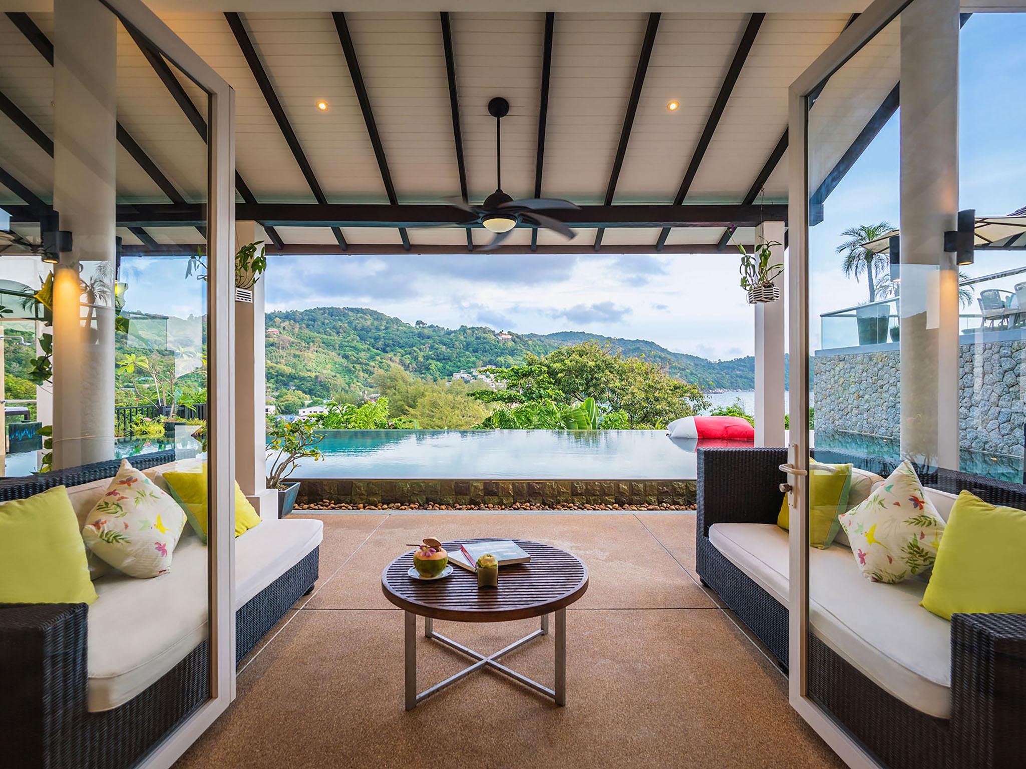 Luxury pool villa Amanzi